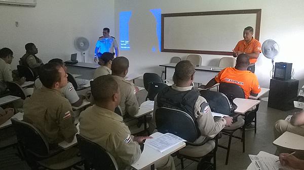 Projeto Caravana Detran realiza palestra para Policiais Militares da Costa do Descobrimento.