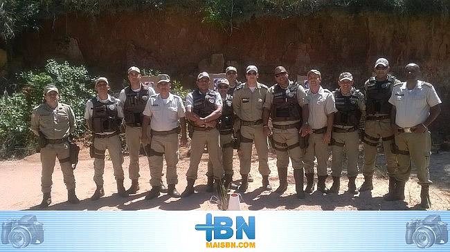 Policiais de Belmonte realizam treinamento de Técnicas e Táticas Especiais de Tiro.