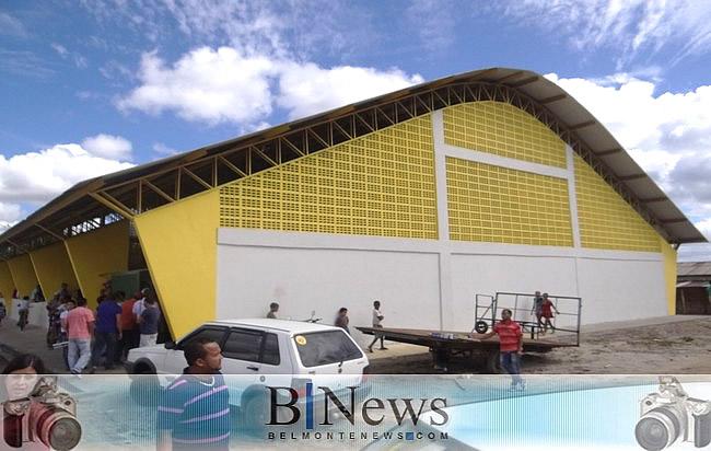 Inauguração de Quadra Poliesportiva marca o São João em Santa Maria Eterna.