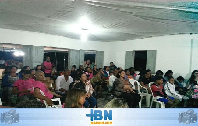 Candidata Alice Britto visita povoado do Ubú e participa de culto evangélico.