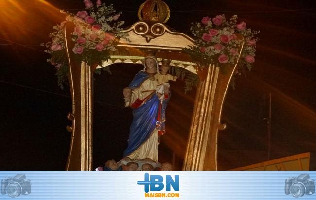 Festa de N. S. da Cabeça é encerrada com uma grande procissão pelas ruas de Barrolândia.