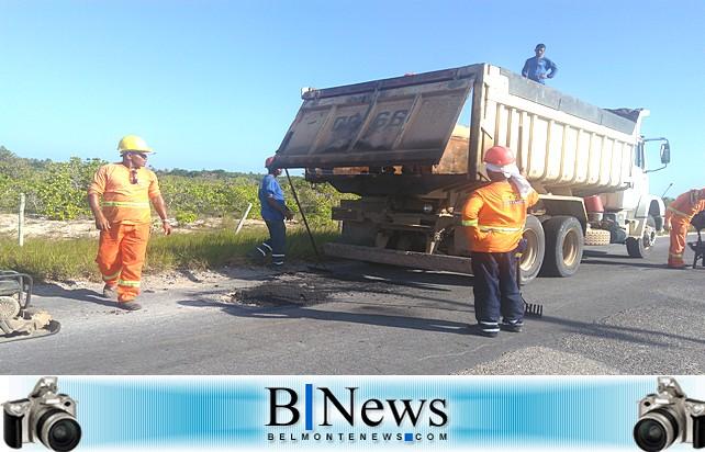 Governo recomeça Operação Tapa-buracos na rodovia entre Belmonte e Cabrália.