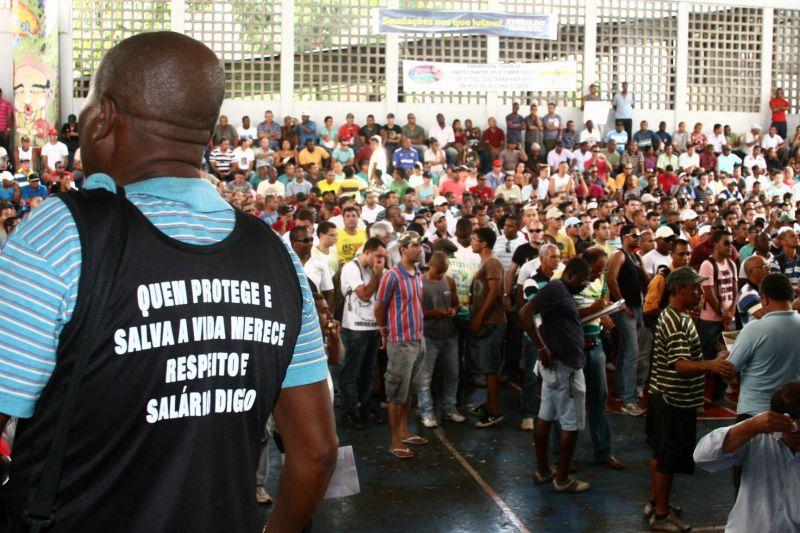 Policiais Militares da Bahia endurecem o tom nas negociações salariais com o Governo.
