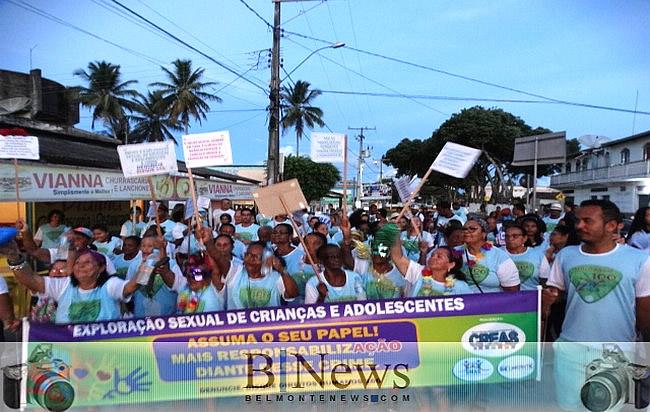 Bloco Disque 100 leva um grande número de foliões para as ruas de Belmonte.
