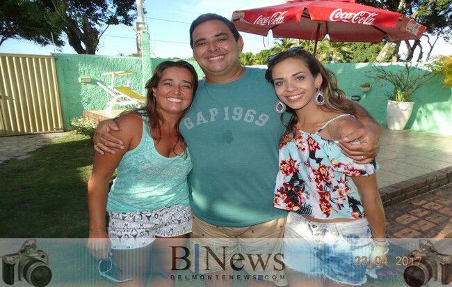 Vereador Alfredo recebe vários amigos para comemorar o aniversário de sua amada filha.