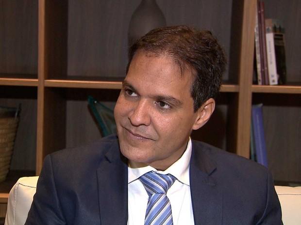 Crise enfrentada por municípios baianos pode se agravar, declara Eures Ribeiro.