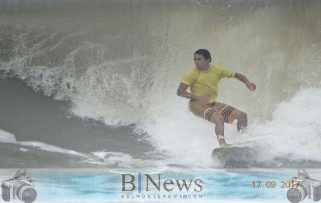 1º Troféu Mar Moreno de Surf lota a orla belmontense de turistas e esportistas.