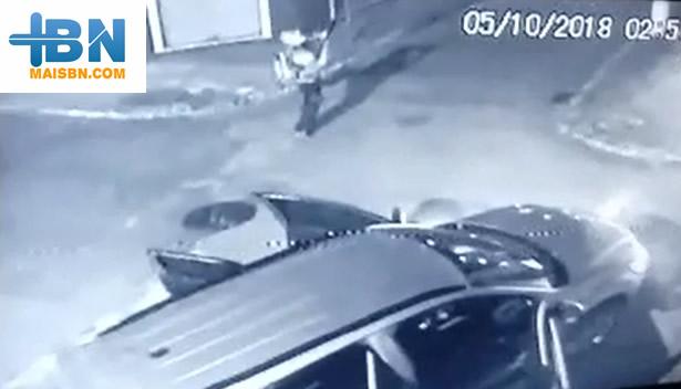 Bandidos fortemente armados assaltam agência da Caixa Econômica em Belmonte. 1
